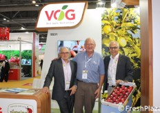 Jon Durham (International Pink Lady Alliance Limited), Peter Dall (Pomfruit Alliance) e Gerhard Dichgans (VOG).