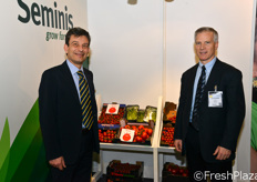 Lucio Colombo (Trade Partnership Manager, Italy) insieme a David M. Stark, vice presidente Monsanto.